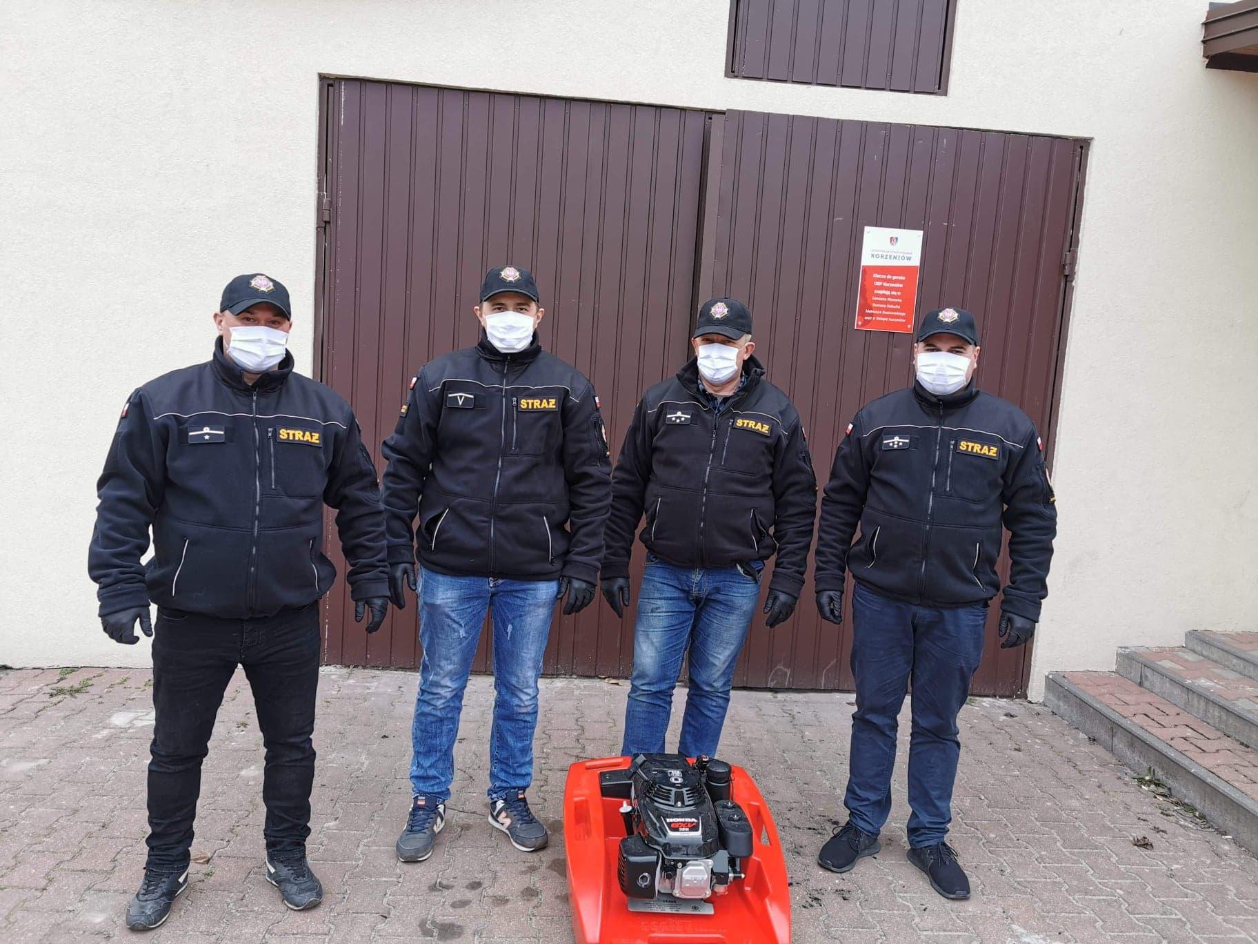 strażacy z korzeniowa